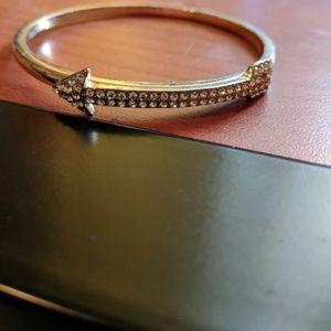 Jewelry - Arrow bangle 💐